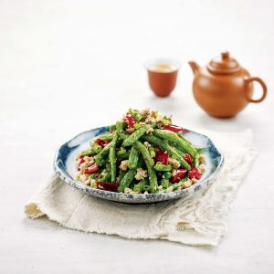 FRENCH BEANS WITH MINCED CHICKEN & DRIED CHILLI/干煸四季豆